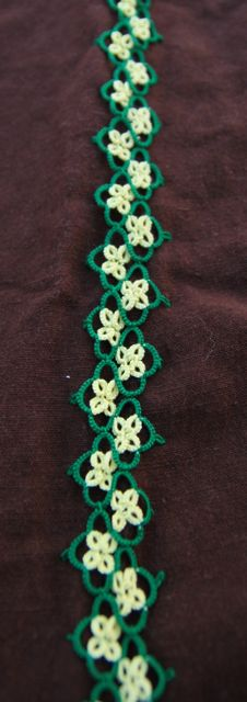 An example of tatting.